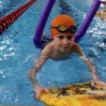 Pływanie z deska - szkoła pływania Bydgoszcz