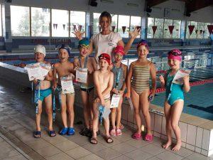 Zakończenie nauki dypolmy ukończenie kursu pływania Hanami