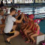 motywacja przed wejściem do baseu - szkoła pływania Bydgoszcz