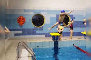 Skok do wody - szkoła pływania Bydgoszcz